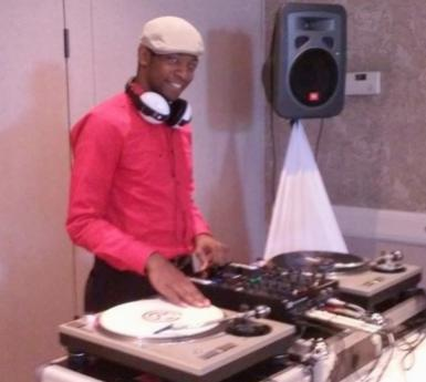 DJ Mac with his turntable
