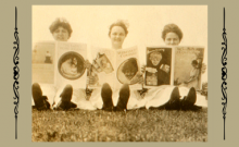 three women reading
